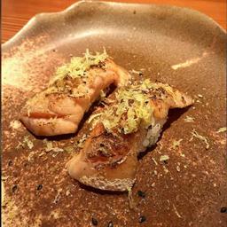 Sushi de Barriga de Salmão ao Maçarico