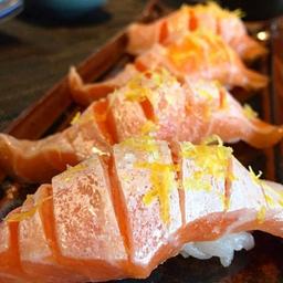 Sushi de Barriga de Salmão