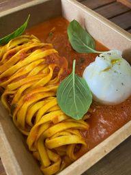 Fettucini Pomodoro e Burrata
