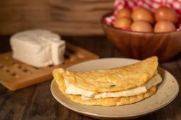 Omelete Queijo Minas e Salada
