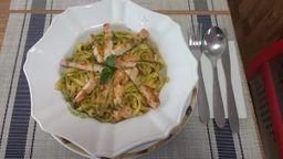 Espaguete ao Pesto com Filé de Frango