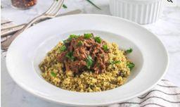 Carne de panela com quinoa e espinafre