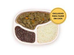 Picadinho de Carne com Feijão Preto