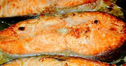 Posta de salmão na brasa