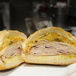 Sanduíche de Pernil com Abacaxi