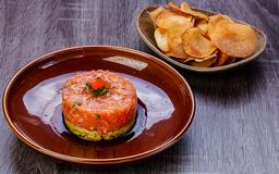 Tartar de salmão com abacate + Entrada