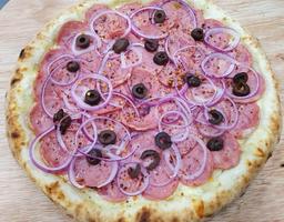Pizza de Calabresa - Grandes
