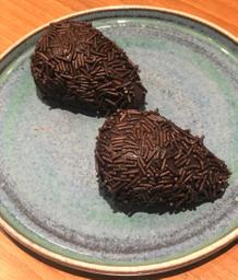Coxinha de Chocolate com Morango