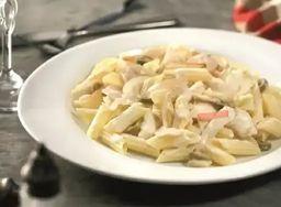 Espaguete ao Molho Mranco com Frango