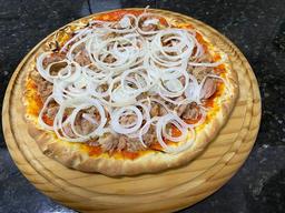 Pizza de atum sólido