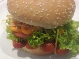 Hot Dog com Salada e Bebida
