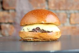 Cheeseburger & fritas