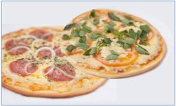 Pizza Tradicional 45 cm + Pizza Tradicional 35 cm + Bebida
