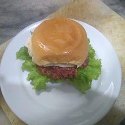 Cheeseburguer Calabresa com Salada