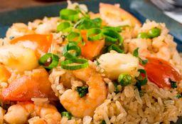 Kao Pad Kung Sapparod (arroz com Abacaxi)