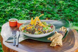 Salada de Quinoa Tropical