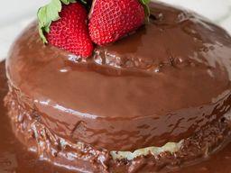 Bolo Surpresinha de Morango com Chocolate