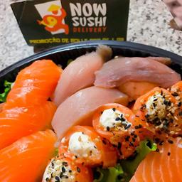10 Hot philadelphia e 1 niguiri salmão.