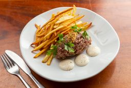 Steak Tartare com Torradinhas