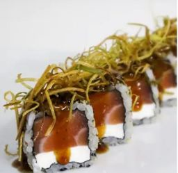 Aki salmão especial alho poró