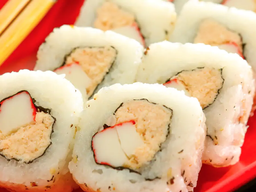 Uramaki Mix de Salmão e Kani Empanado - 10 Peças