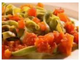 Talharim Verde ao pesto de manjericão e tomate