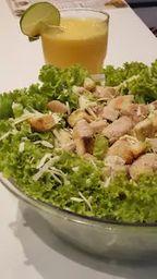 Combo Salada Caesar e Suco da Fruta