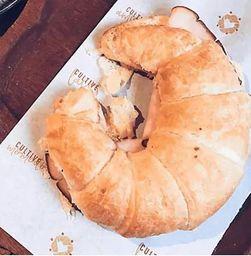 Croissant Brie com Geleia