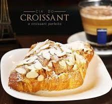 Croissant de Chocolate com Amêndoas