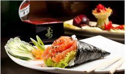 Temaki salmão + 06 sashimis
