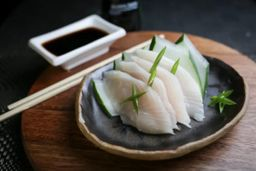 SASHIMI - SHIROMI