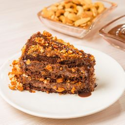 Fatia de Torta de Chocolate com Crocante de Castanha - 150g