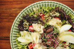 Salada de Mignon com Brie Quente