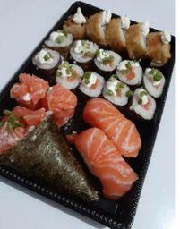 19 Sushi Salmão + Temaki salmão