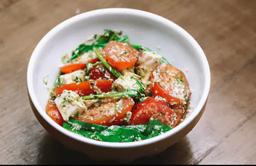 Salada Caprese (400g) e Suco de Casa (300ml)