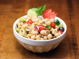 Salada de Grão de Bico (400g) e Suco da Casa (300ml)