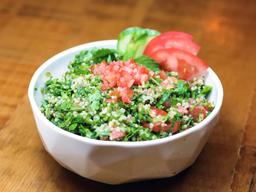 Tabule de Quinoa e Suco da Casa 300ml