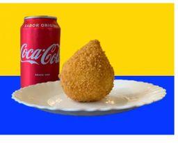 Coxinha 150g + refrigerante lata 350 ml