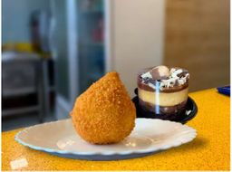 Mini torta + Coxinha Frango