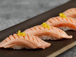 Sushi de Salmão Brulée