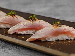 Sushi de Atum Brulée