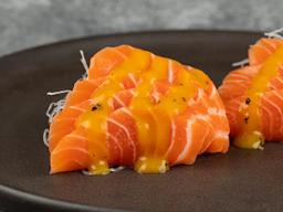 Sashimi de Salmão com Molho Especial