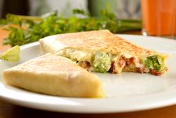 Crepe de brócolis com queijo e bacon