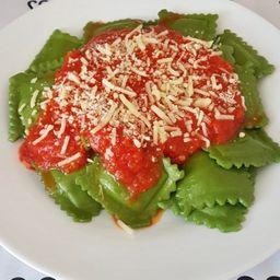 Raviolli verde de mussarela (imperdível)