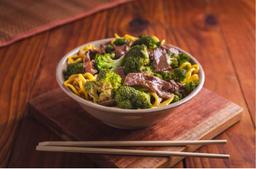 Yakisoba De Carne Com Brócolis