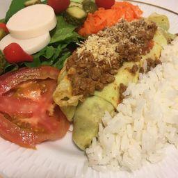 2 Panquecas com Molho, Arroz, Salada e Bebida