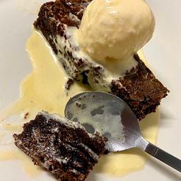 Combo verão: brownie original e sorvete