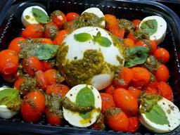 Burrata com tomate confitado