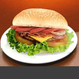 Hambúrguer x-calabresa