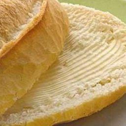 Baguete com Manteiga Frio